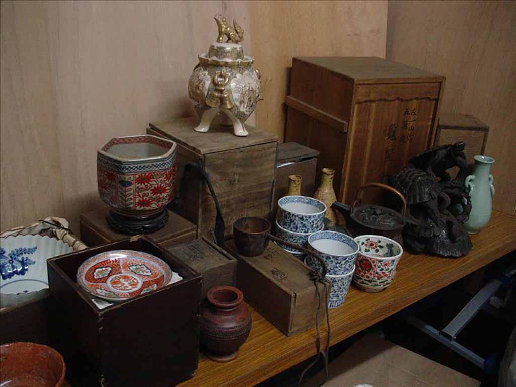 マルミ工藝社_骨董品買取_伊万里焼き・薩摩焼香炉(作家者)・鉄瓶・中国青磁器
